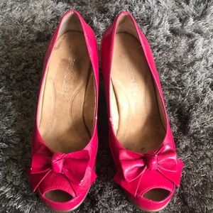Aerosoles Well Wisher in Hot Pink . size 6 1/2 M
